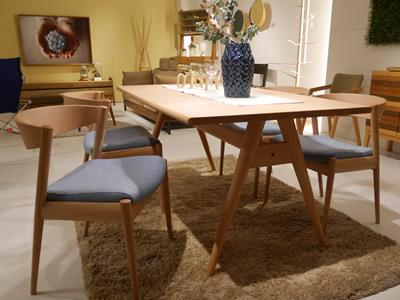 木のテーブルセット|インテリアショップ|ルーミングプラススタッフ